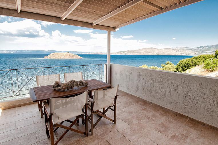 Little_Bird_Lesbo_Vacanze_Grecia