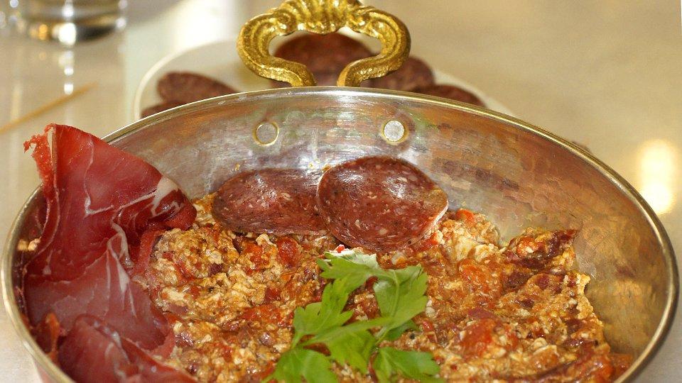 Karamanlidiko-ristoranti-atene