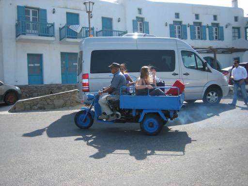 Taxi-Mykonos-Cristina_lombardo