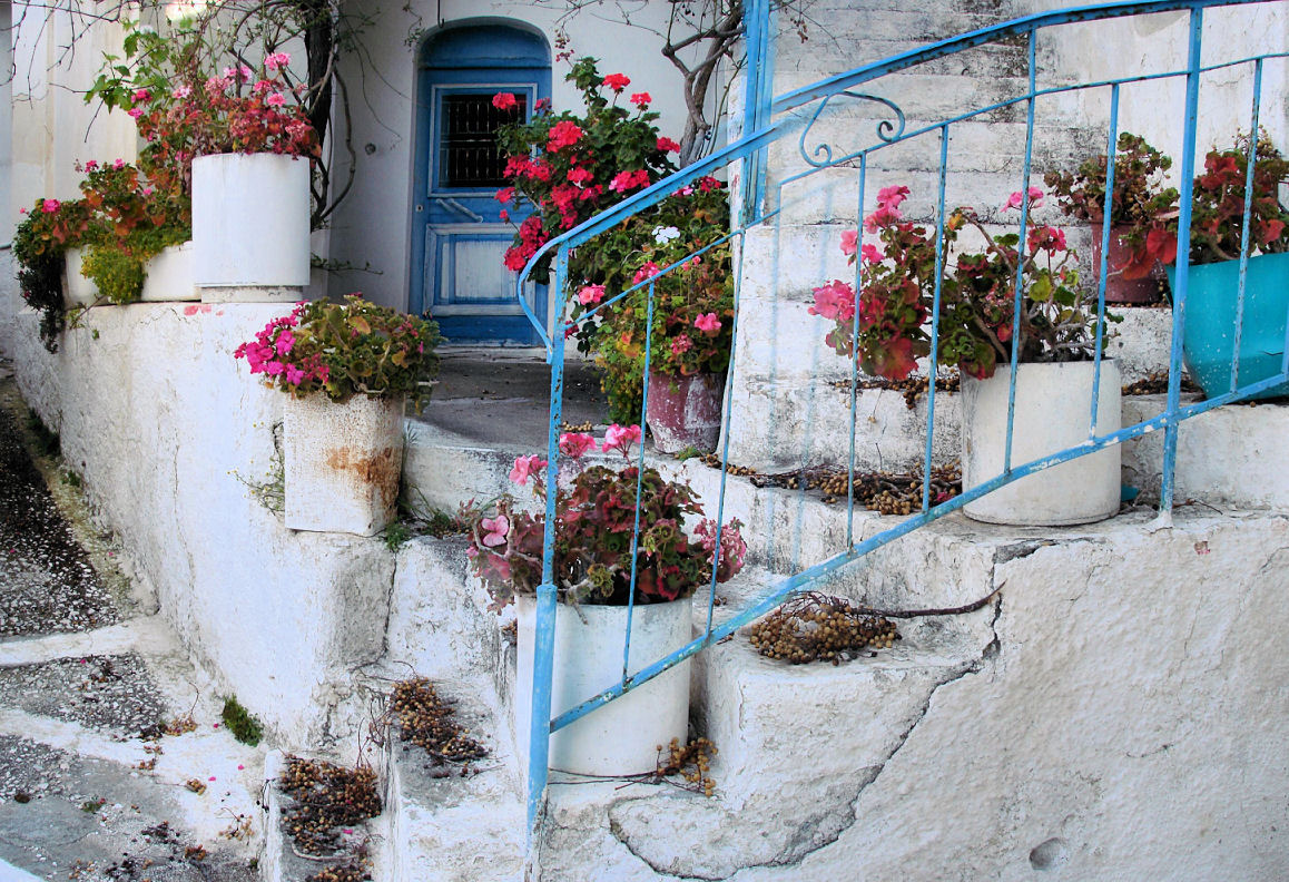 greece-flower-pot