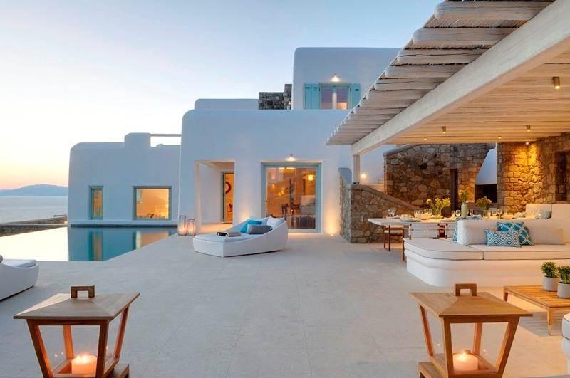 Volete vedere una casa in grecia da 11 milioni di euro for Case a mykonos vendita